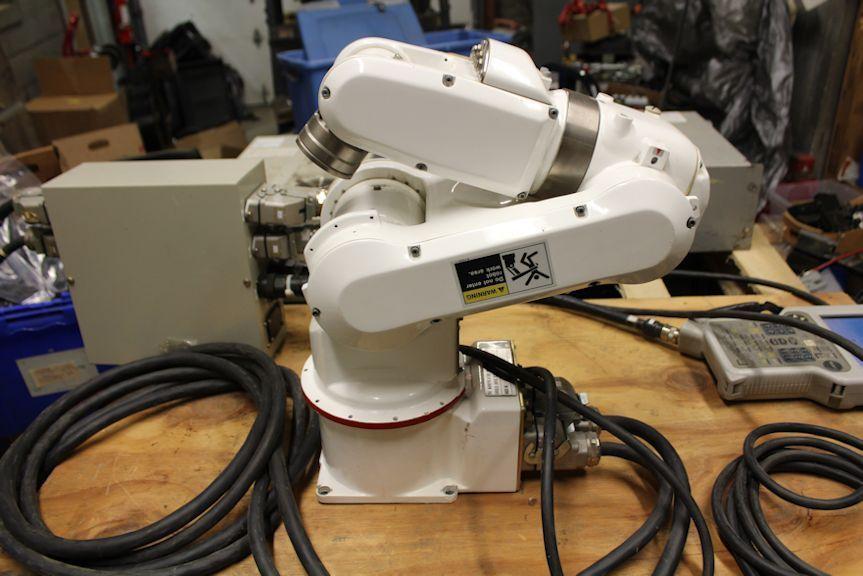 安川机器人。.jpg